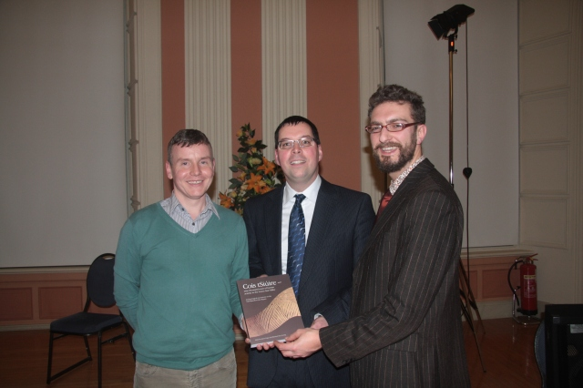 Simon Stronach, NRA Project Archaeologist James Eogan and Rubicon Graphics Manager Jonathan Millar at the launch of 'Cois tSuire'